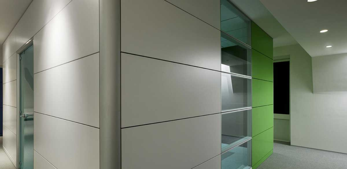 Wood partition walls with horizontal panels