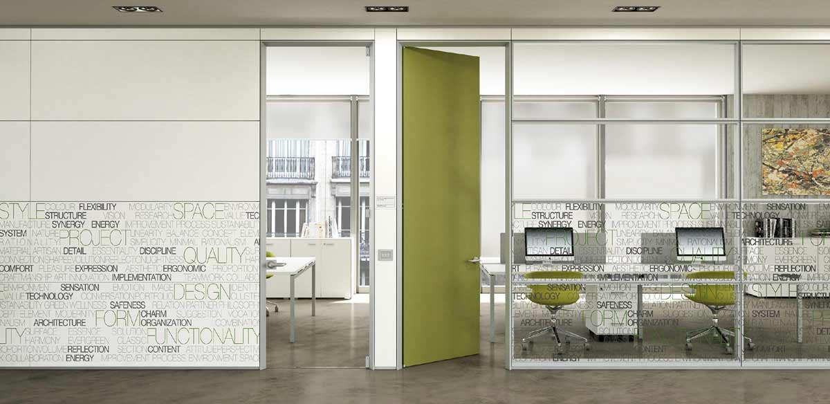 Wood and glass partitions with serigraphy.
