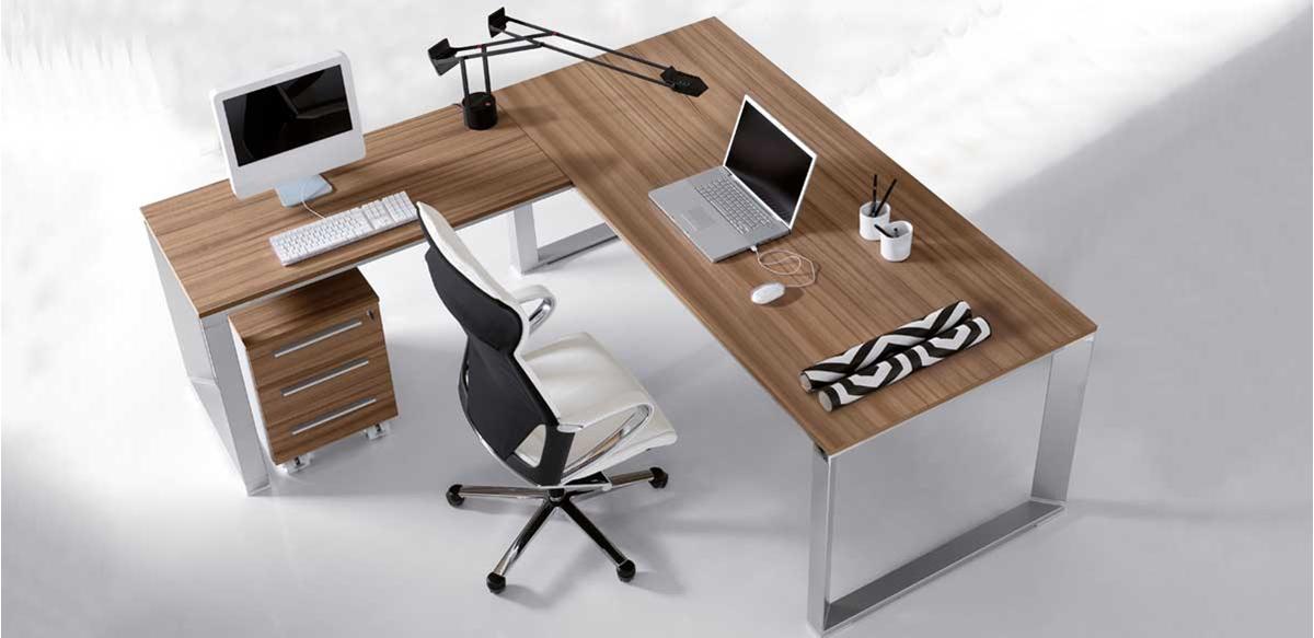 Mobili per ufficio scrivania angolare e cassettiera for Scrivanie mobili