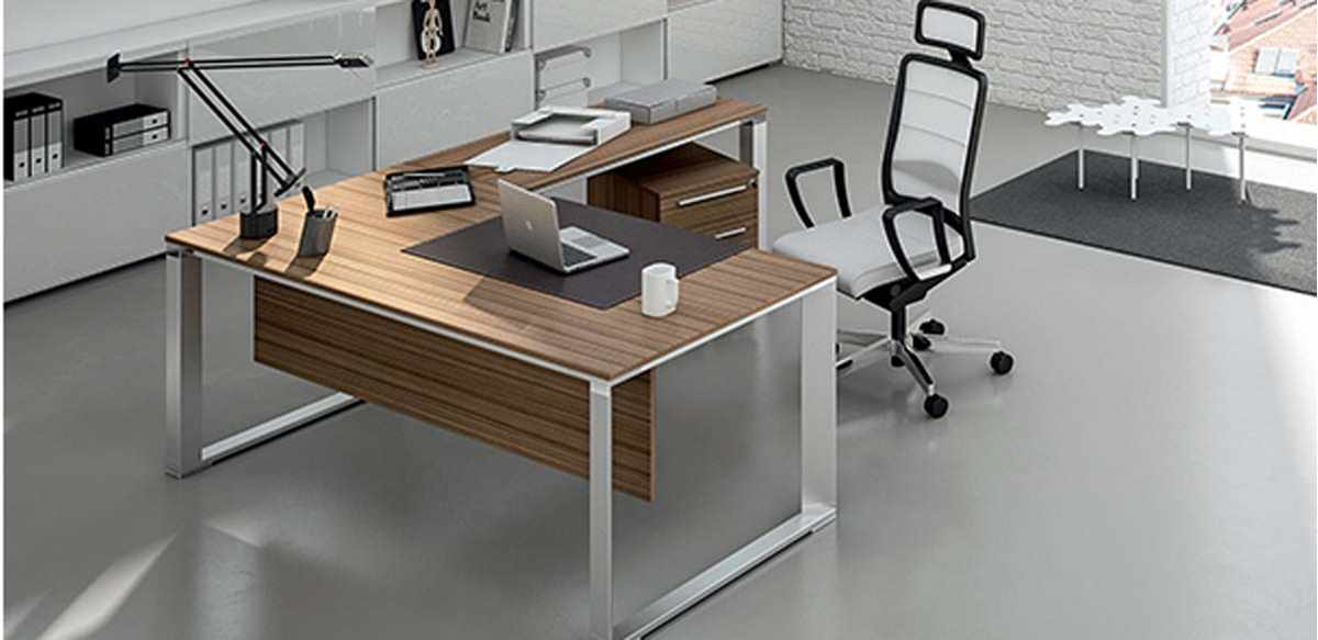 Mobili per ufficio scrivania angolare direzionale gambe for Mobili sala angolari