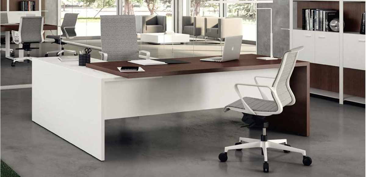 Scrivania direzionale angolare bicolore for Outlet mobili ufficio