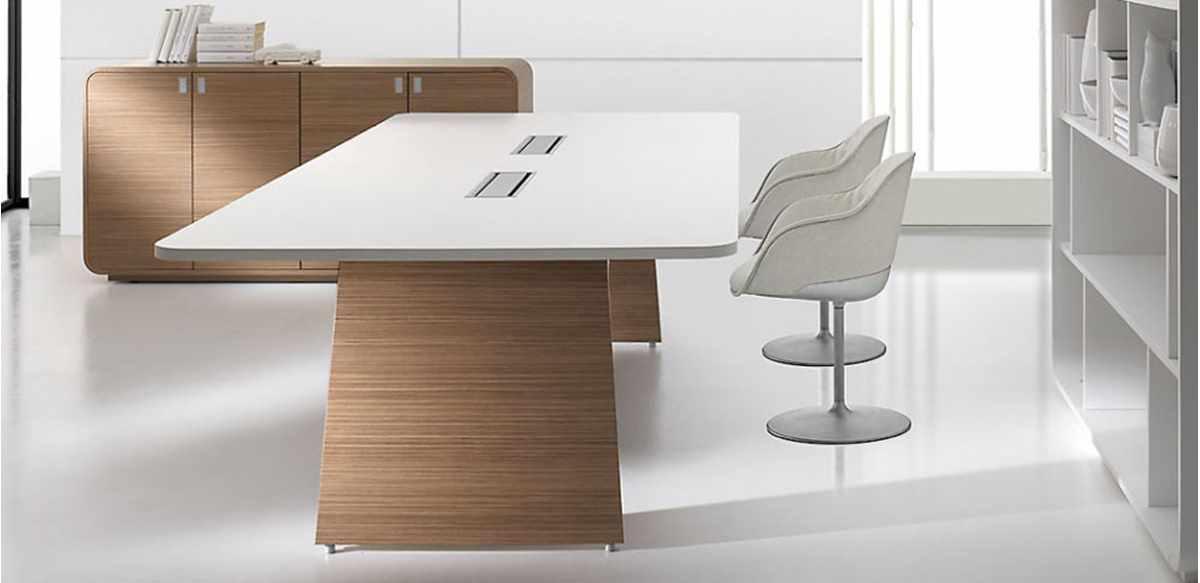 Mobili per ufficio tavolo riunioni legno con piano for Mobili ufficio outlet